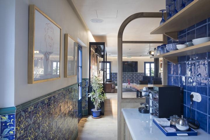 Diseño de alicatados para las oficinas de Etnia Barcelona
